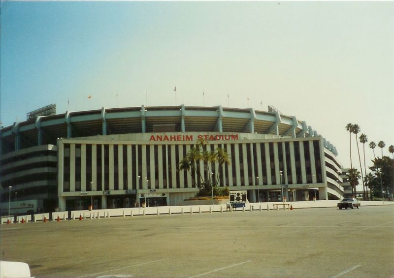 http://www.chrisputro.com/ballparks/19860823%20Angel%20Stadium.jpg